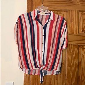 Front tie short sleeve shirt